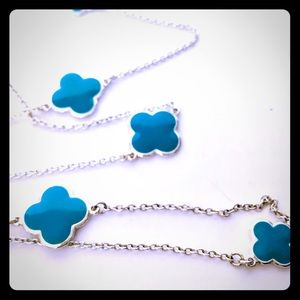 Jewelry - Turquoise and silver cloverleaf necklace
